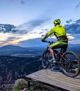 Descopera imprejurimile Brasovului de pe o bicicleta electrica