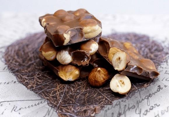 Uimitoarele beneficii ale ciocolatei si de ce este cadoul perfect