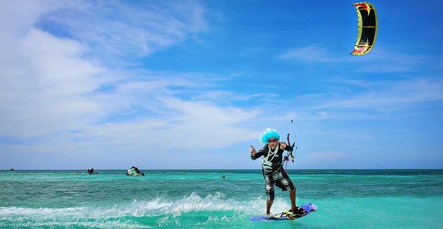 Experiente la mare… distractie