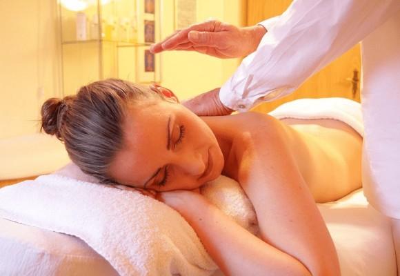 Uimitoarele beneficii ale masajului thailandez